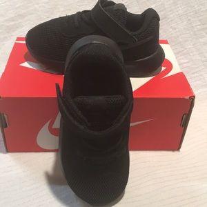 Nike Tanjun 7C Black/Black 818383 001